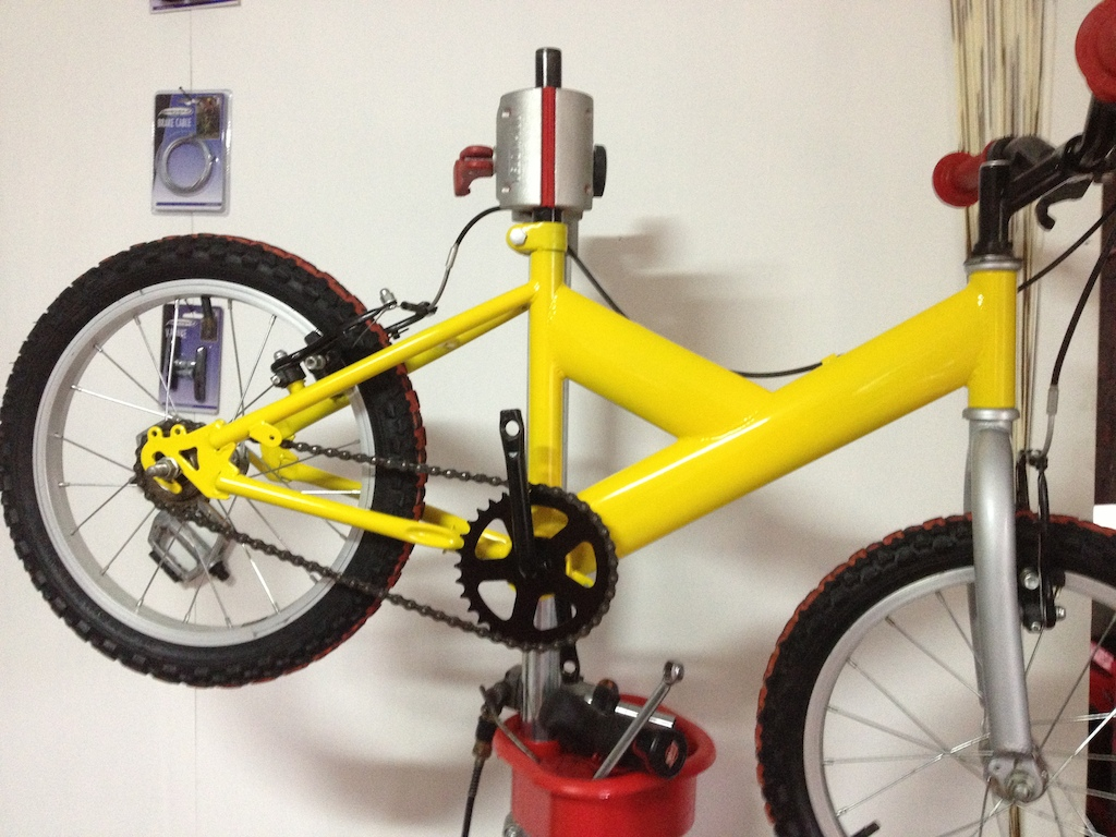 Little bike im doing up for my mates son,for his Christmas