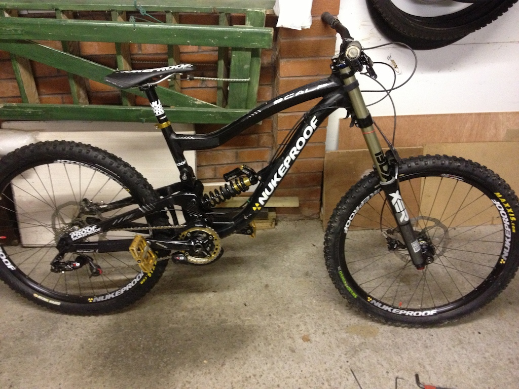 My 2012 Nukeproof Scalp, with new hope gold chainring