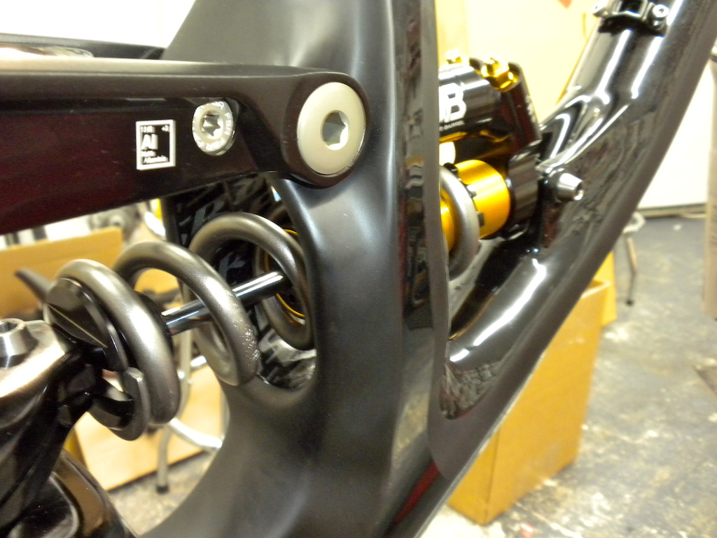 Building up the new 2013 S-works Demo 8