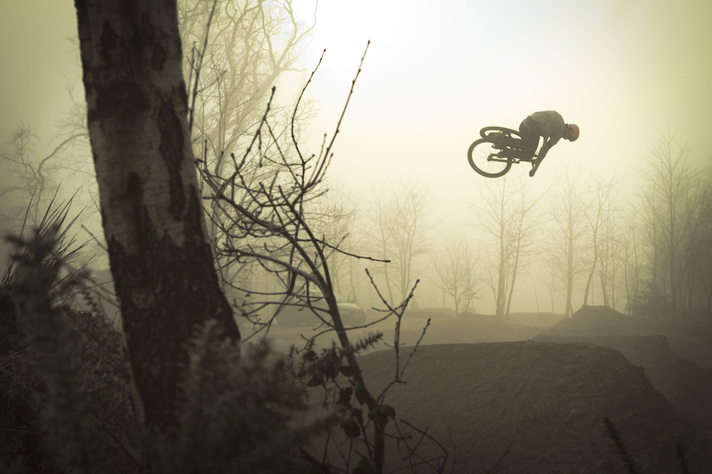 Matt Jones Saracen Bikes LKI Clothing dumped 360 through the fog from a recent filming day. http www.facebook.com pages JL-Media 493054850712817 ref hl