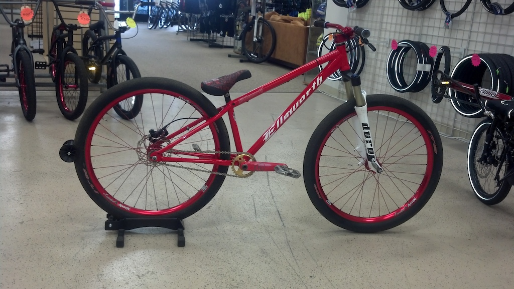 Me new proto type Ellsworth hardtail frame. Super stoked on this build