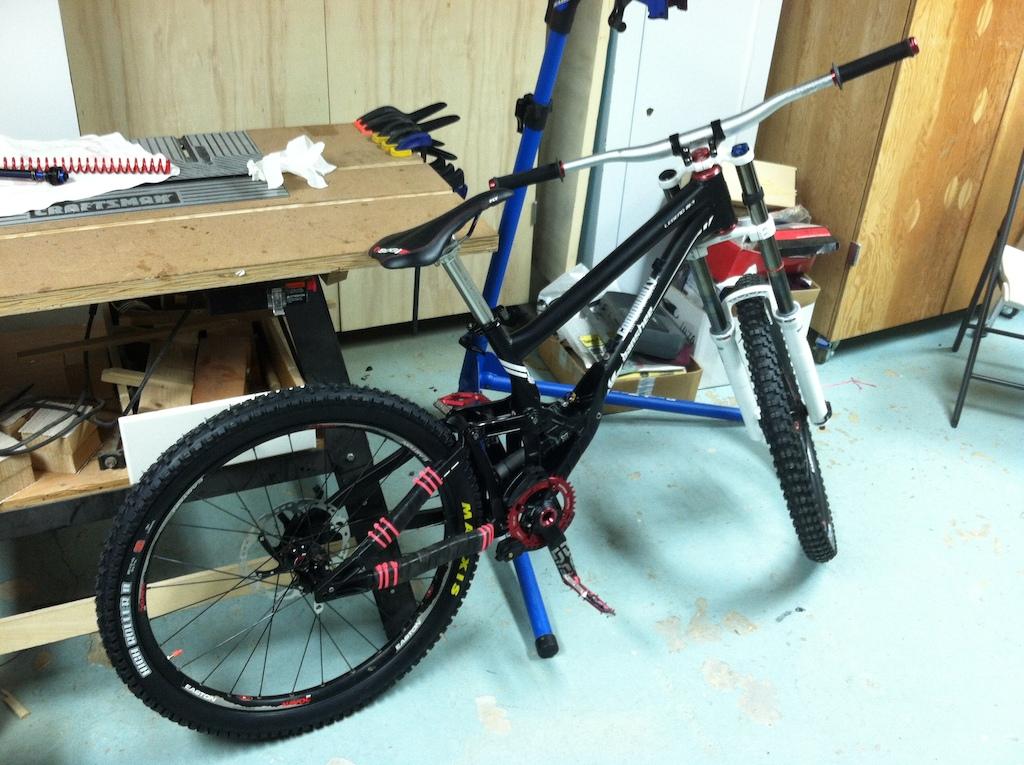 New DH bike - Banshee Legend MKII 2012, work in progress