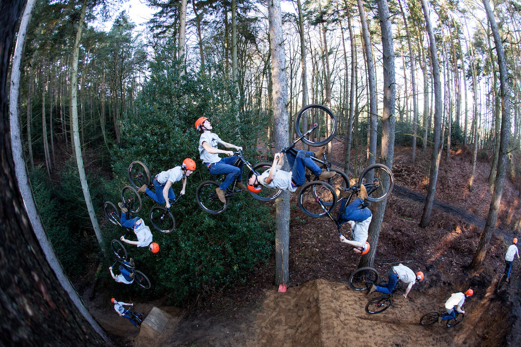 double backflip // saracen bikes advert in mbuk #288 // www.delayedpleasure.com
