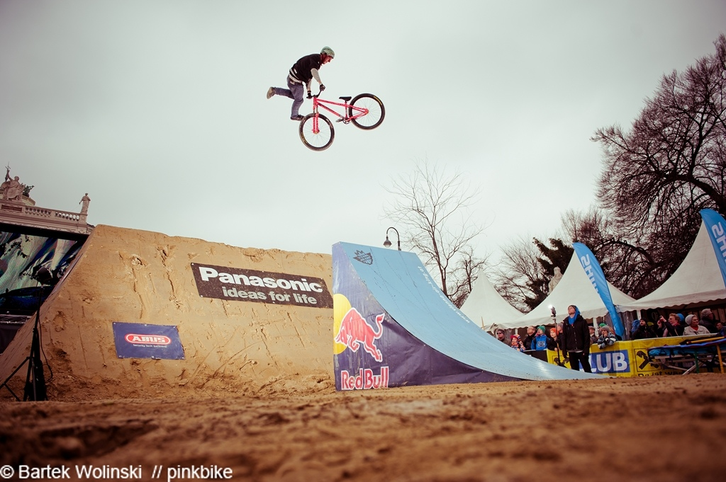 Pavel and his pinkbike in the finals