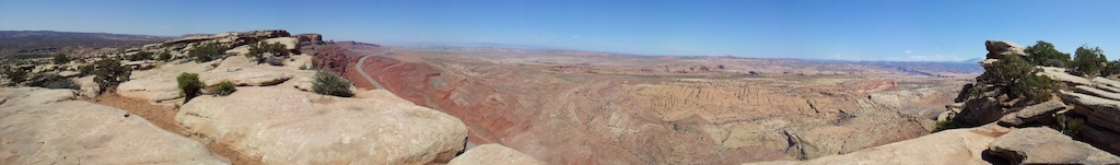 Top of Moab Fault over looking highway with the Moab Brand trail centre below on the right.