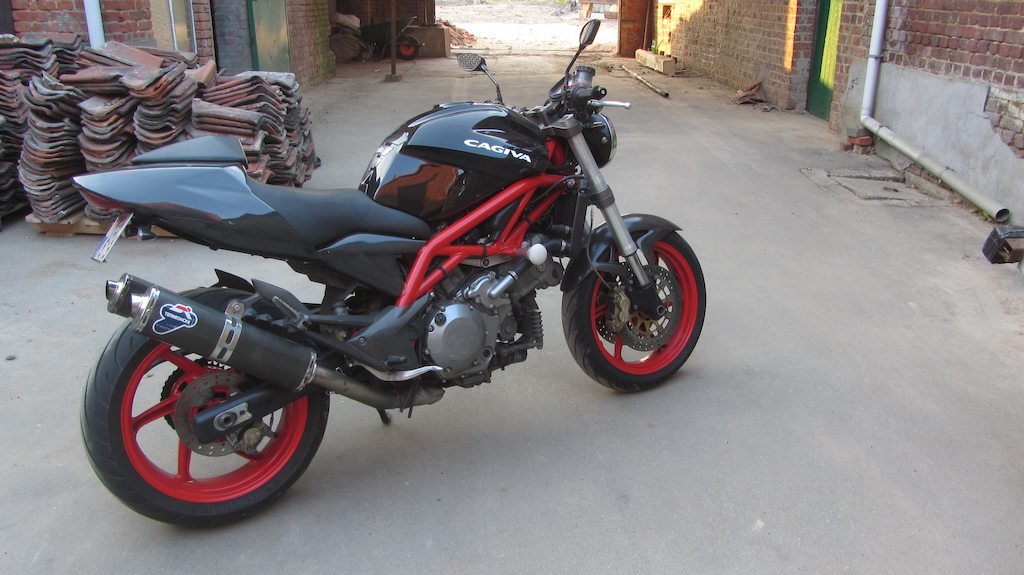 a7b71a899b91b cagiva raptor 1000 red frame and wheels custom termignoni exhaust system  full carbon kit and lots