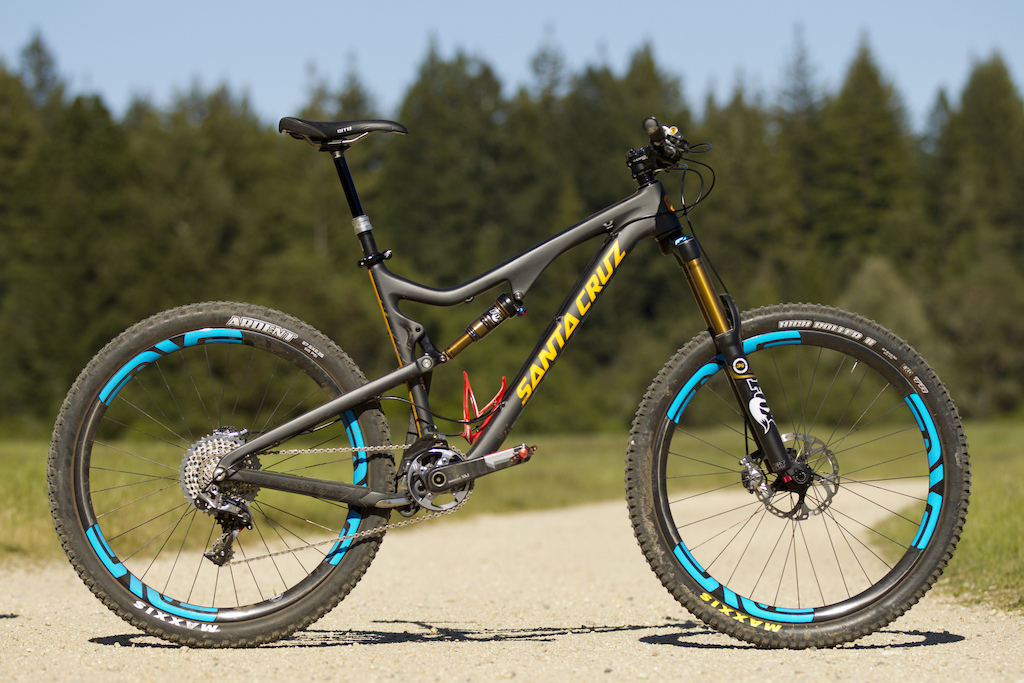 bronson c frames share similar dna with the blur ltc and tallboy ltc but its carbon chassis is produced in a completely different mold and beefed up for