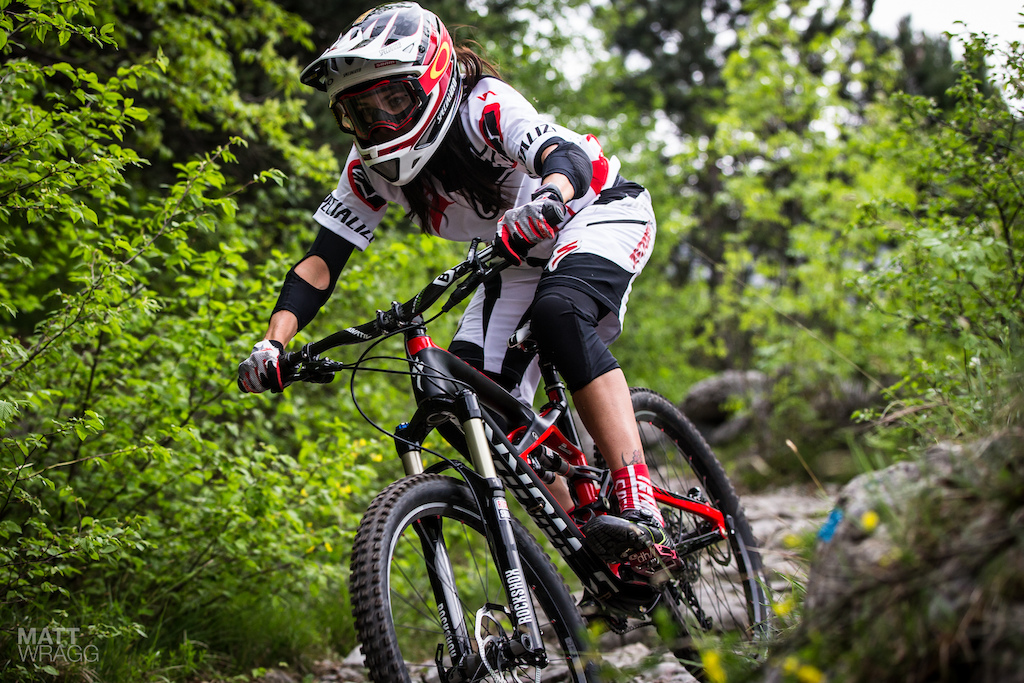 Anneke won the first round of the series last weekend and she looks a good bet to repeat that again this weekend. Unlike some of the male 4X riders she isn t powerfully built and her background of racing downhill means she has all the bikes skills to really do well in these kind of races.
