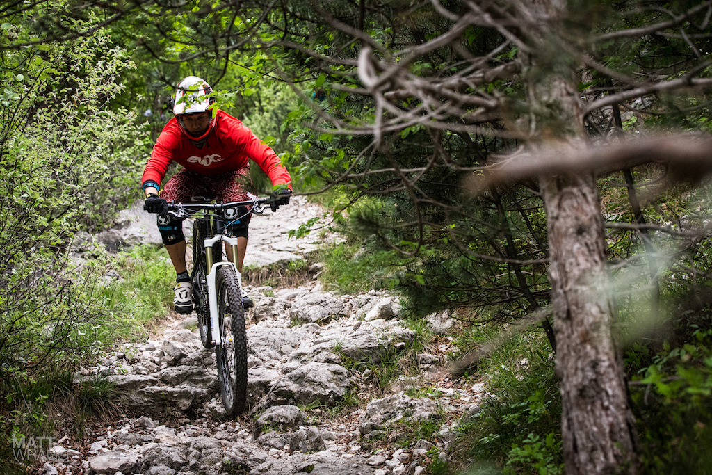 Toby Woggon is one of the few fast riders who opted for big wheels for this race the general consensus being that when the going is this technical 26 or 27.5 is a better call.