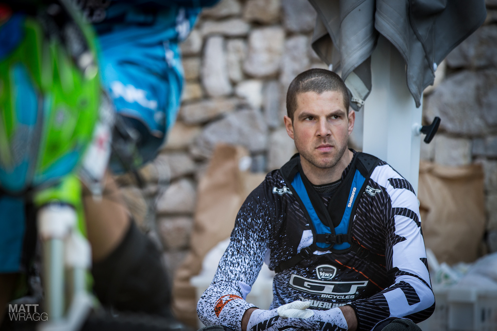 Every rider takes their own approach to the race. Off all of them Dan Atherton looks like one of the most serious on the outside. He s won a UK Gravity Enduro already this year but today was his first test against an international field.
