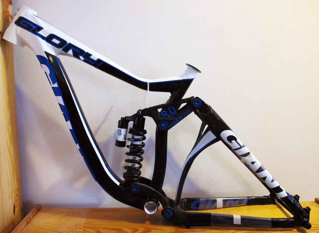 http://www.ebay.com/itm/GIANT-GLORY-NEW-/300918197824?pt=US_Bicycles_Frames&hash=item46101f4e40