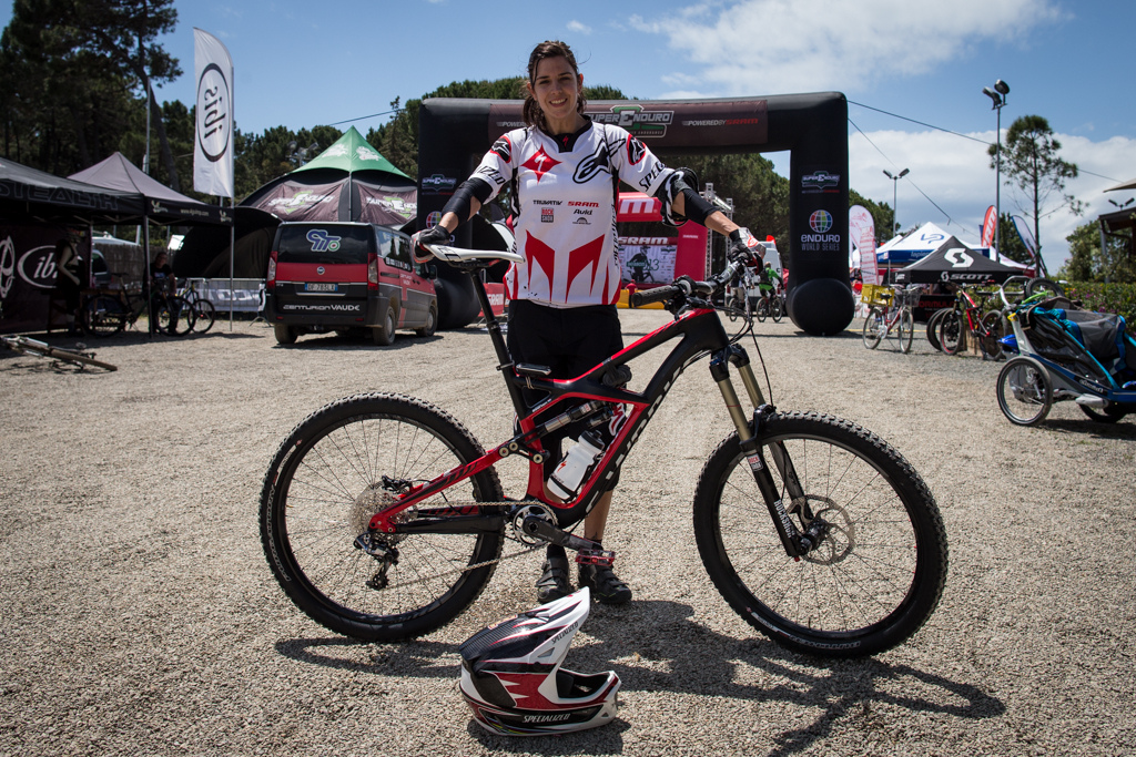 Anneke Beerten and her Specialized Enduro