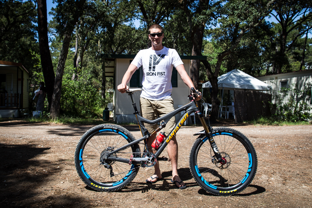 Greg Minnaar and his Santa Cruz Bronson