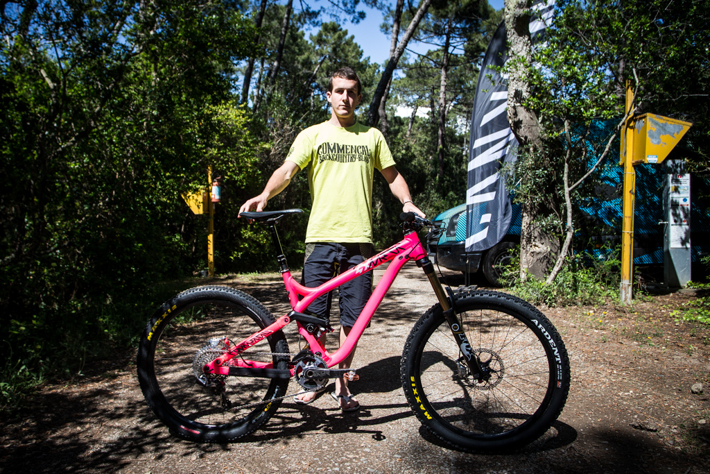 Nico Quere and his Commencal Meta AM 27.5