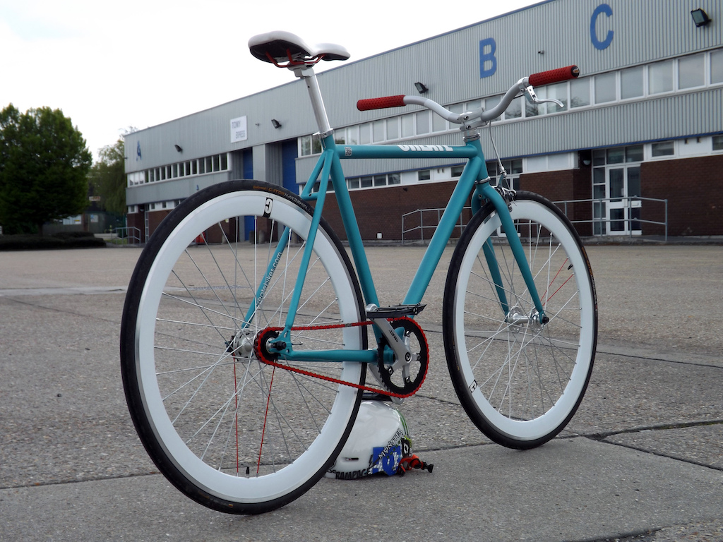 My new Create Fixie with upgraded NS Proof Bras, NS Quark Pro Stem, CultxVans Grips and Nukeproof Electron Pedals.