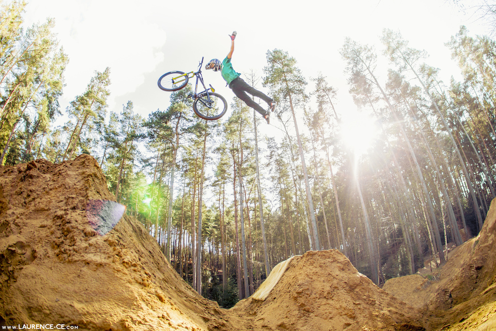 The british summer is slowing looking like it has arrived and there is nothing better than hitting the trails. Sam Reynolds getting it done at Woburn, keen and ready it hit this season hard - Laurence CE - www.laurence-ce.com