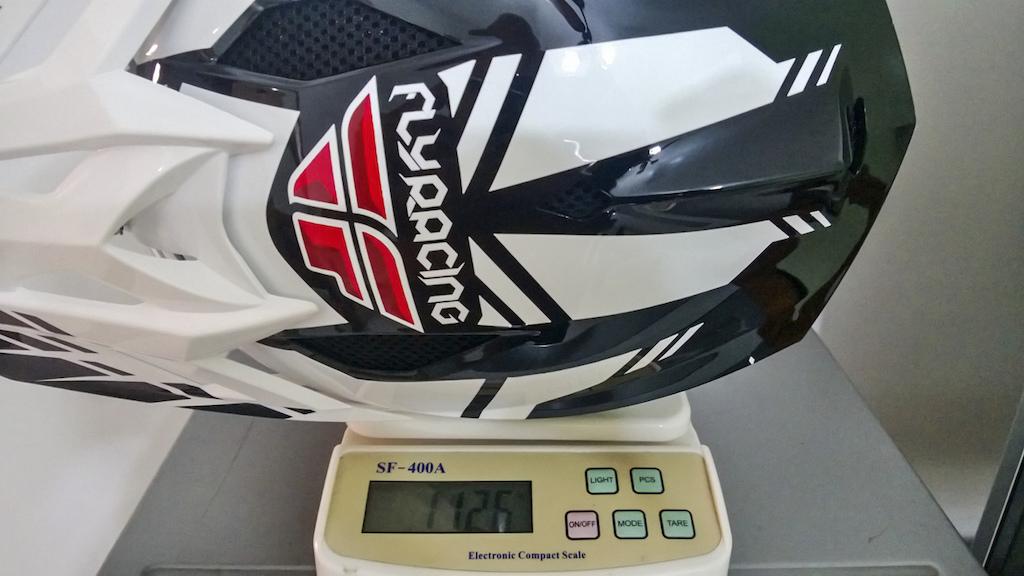 2013 Fly Racing Default Helmet XL Size (1126gr)