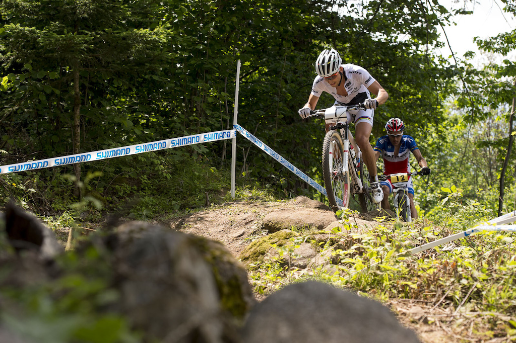 Schurter and Absalon continued to slug it out swapping leads and effectively keeping well ahead of Kulhavy who was dangling in no man s land some 60 seconds or so back for most of the race.