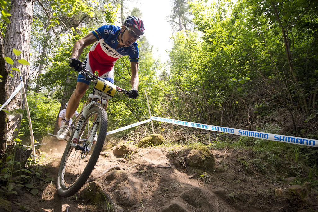 By lap three Absalon had caught up and attacked Schurter but the Frenchman could not shake a tenacious Schurter.
