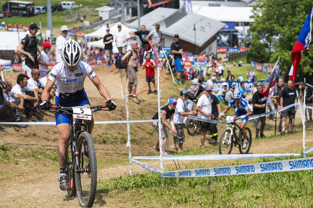 Nash looked to be a shoe in for her first ever World Cup win but Tanja Zakelj threw in a vicious attack midway up the first climb of the last lap and Nash was unable to respond.