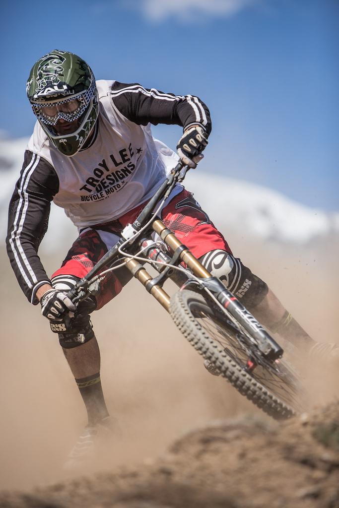 Eating Dirt @ Crans Montana Bikepark opening!