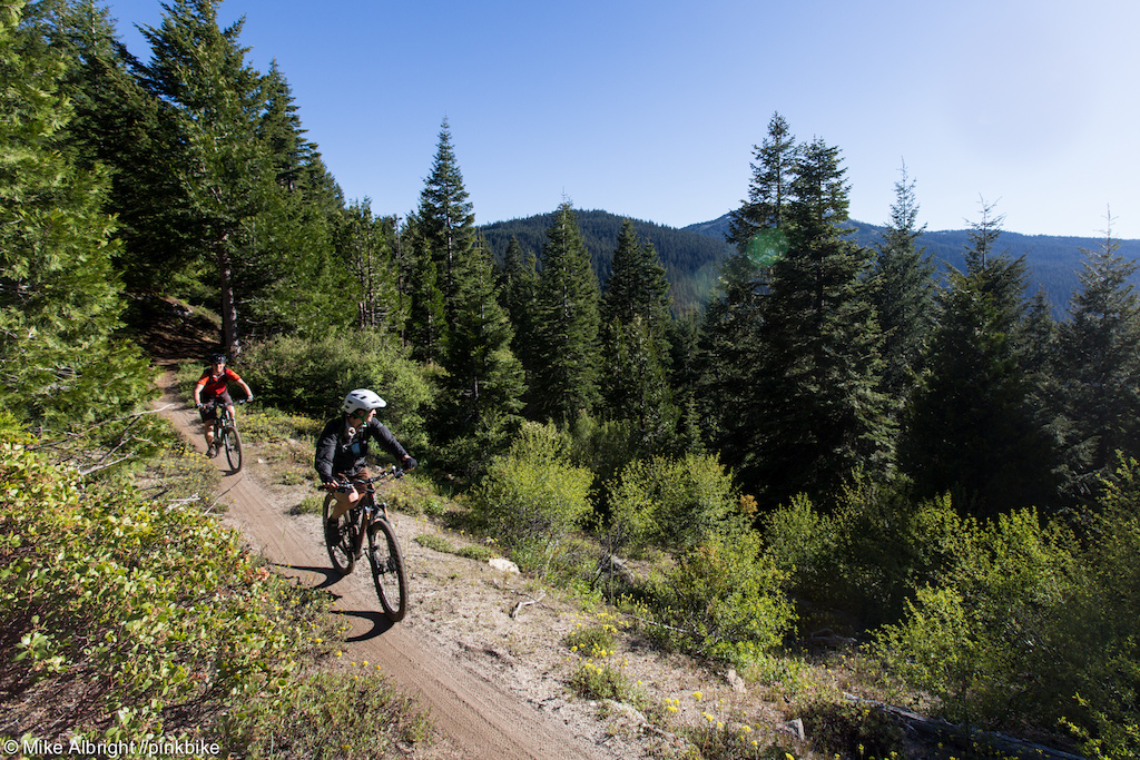 The transition from the top of Mt Ashland to the start of stage one is about a two mile ride. Along the way riders are treated to mountain vistas.