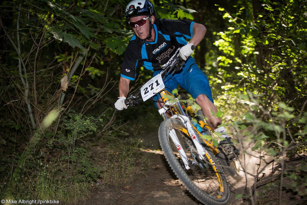Riley Gibson-Graf racing the Junior Men 13-18 category