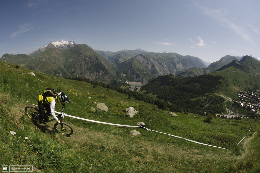 French local Jerome Clementz is said to be the top contender for the race here in Les Deux Alpes. Currently ranked second in the Enduro World Series he is expected to do extremely well on this course. Will he beat Graves and Nico