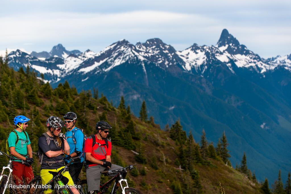 Joe Schwartz Sarah Leishman Stephen Matthews and Wade Simmons resting atop Mt Thuston