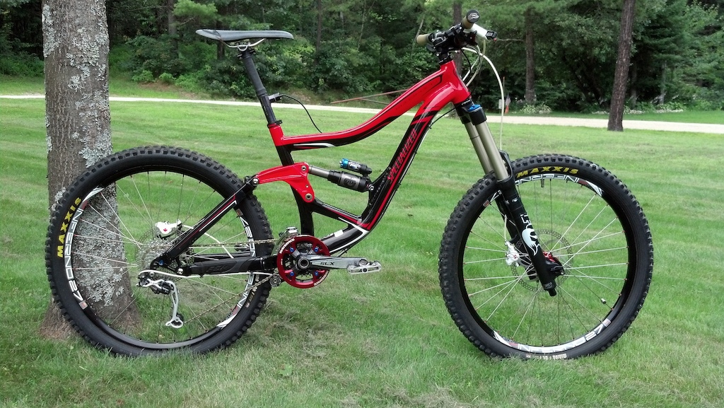 """2010 Specialized Big Hit Enduro Tight-wad build 33.5lbs with pedals.  Officially the Funnest Bike on Planet Earth! -Milled linkage for DHX 5.0 air shock fitment 7.5"""" rear travel, self-rebuilt with Castrol ATF as shock oil. -2012 Talas 180/140 RC2 non-Kashima w/ SKF seals and more bath oil than stock. -2x9 XT/SLX/LX Drivetrain 24/36 front 11-34 rear blackspire guide -Formula RX brakes -Hope Pro2 EVO hubs Sun Inferno 27 rims straight gauge Wheelsmith spokes and alloy nips -Gravity Dropper Turbo 100mm w/ 3 positions -Maxxis DHF 2.5 Exo tubeless with 949 racing stems and Auto Slime/latex homebrew sealant. -Answer Protaper 720 AM -Kore Repute 50mm stem -65.5 degree head angle, 46.7"""" wheelbase, 14.3"""" unsagged BB height."""
