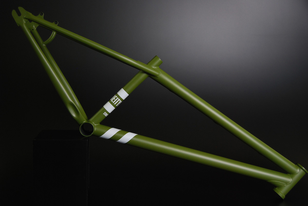 The Deity Streetsweeper V2 in Matte Military Green