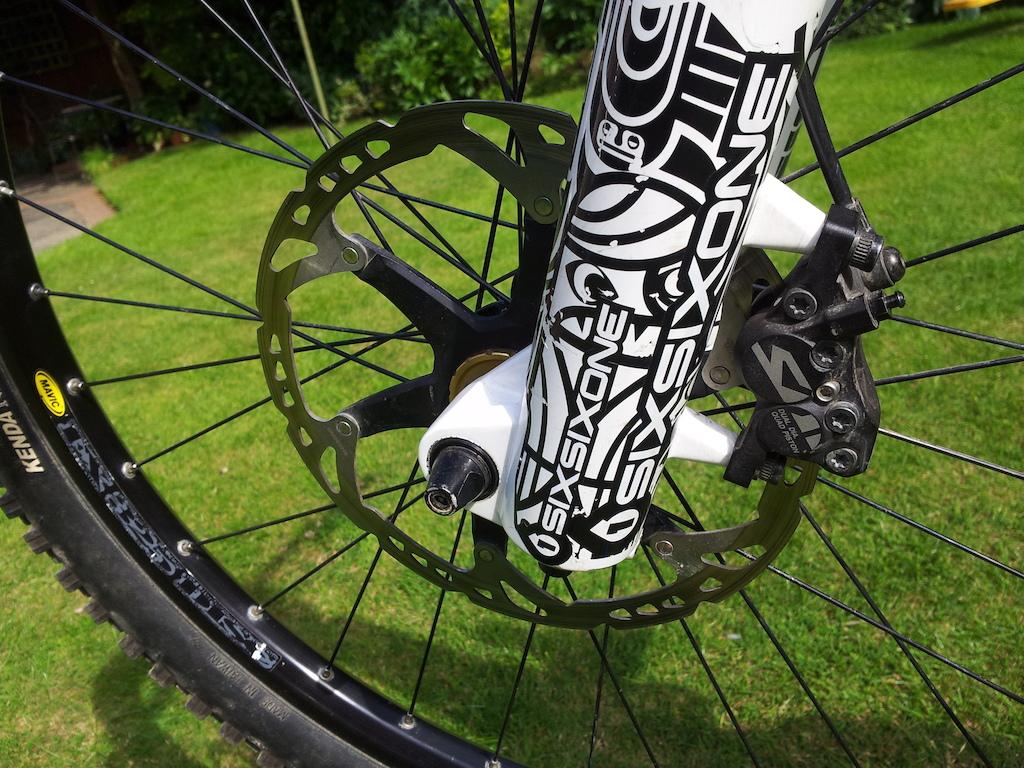 2012 Scott Gambler WC for sale! 2013 Vivid, Saint drivetrain & brakes, TF tuned Totems etc! PRICE DROP - £1595 down from £1700