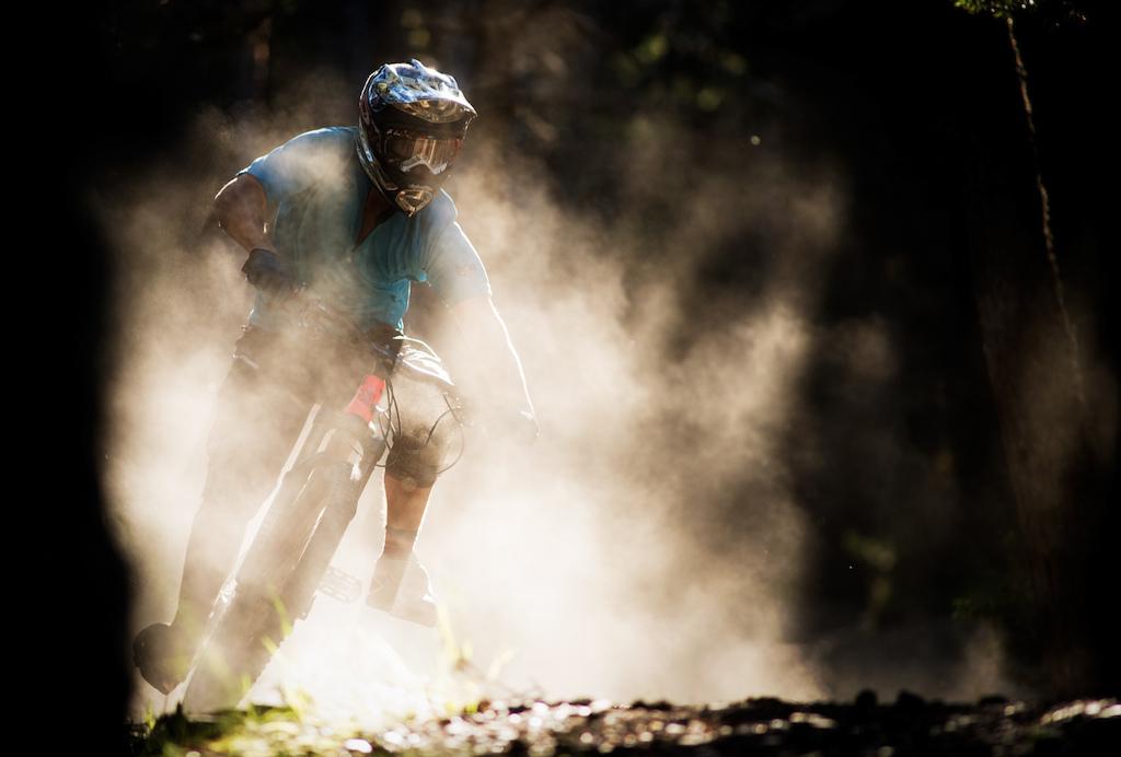 Photo: Commencal/Sam Decoute Dust!