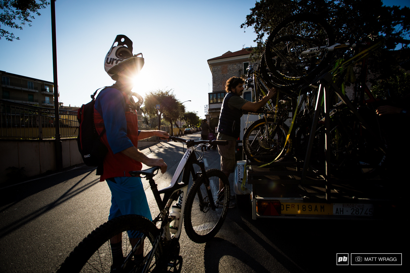 Shuttling is allowed at Superenduro races. The only stipulation is that you can only shuttle on the tarmac road, you are not allowed to shuttle on the fireroads that reach most of the trails here.