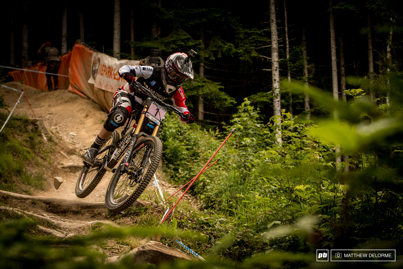 Manon Carpenter with another win 2.699 seconds up on Rachel Atherton. A nice way to finish after a flat cost her a win last week.
