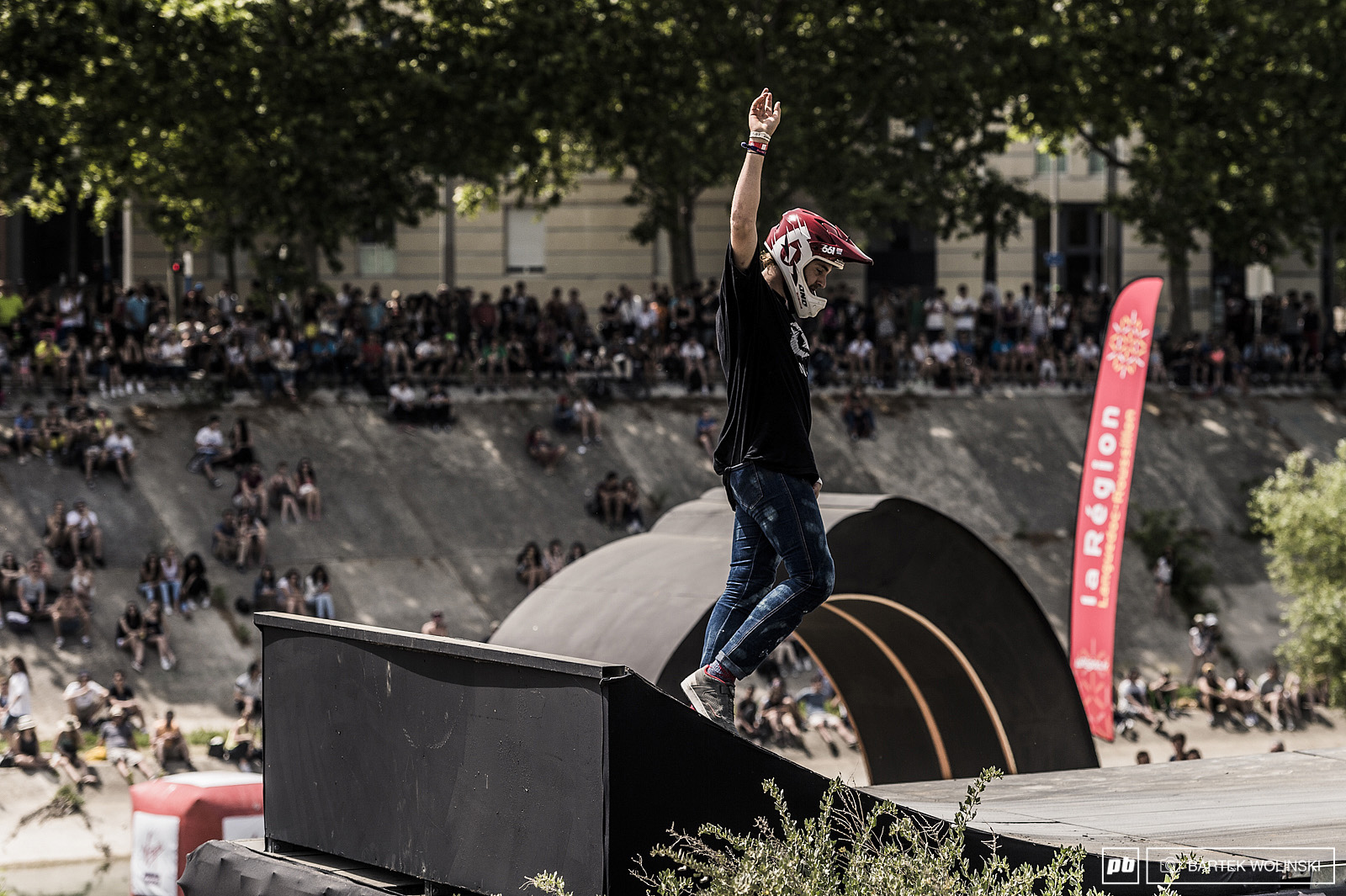 Tomas keeping heads up as the local shredder. 4th place for this crazy Frenchman.