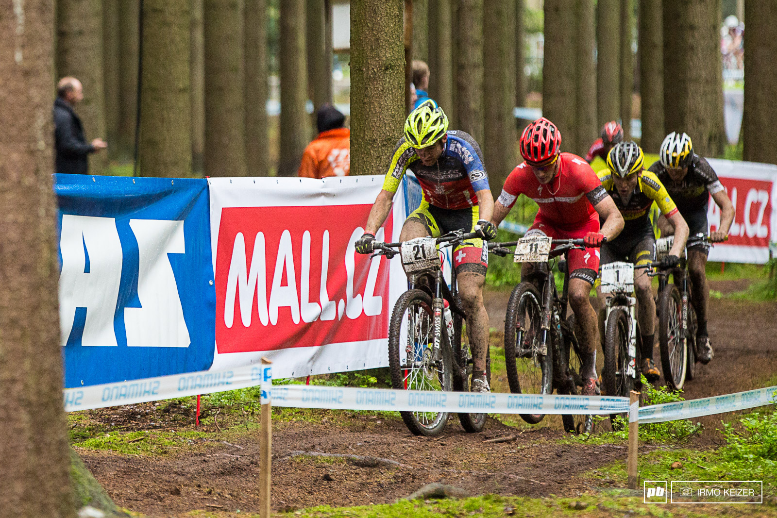 The men s U23 race was a close battle with Forster leading and Gaze Ferguson and Frischknecht right on his back.