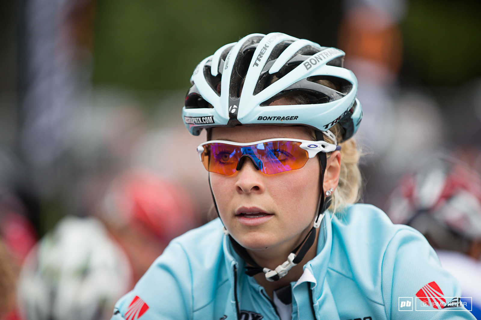 Emily Batty relaxed before the women s elite race.