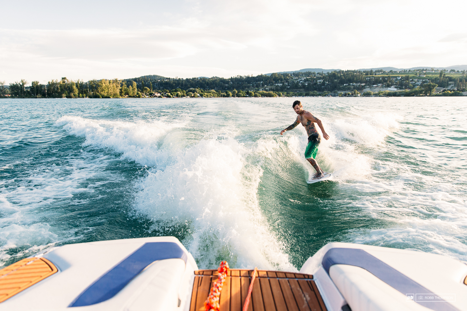 Brad shows us what wake sufing is supposed to look like