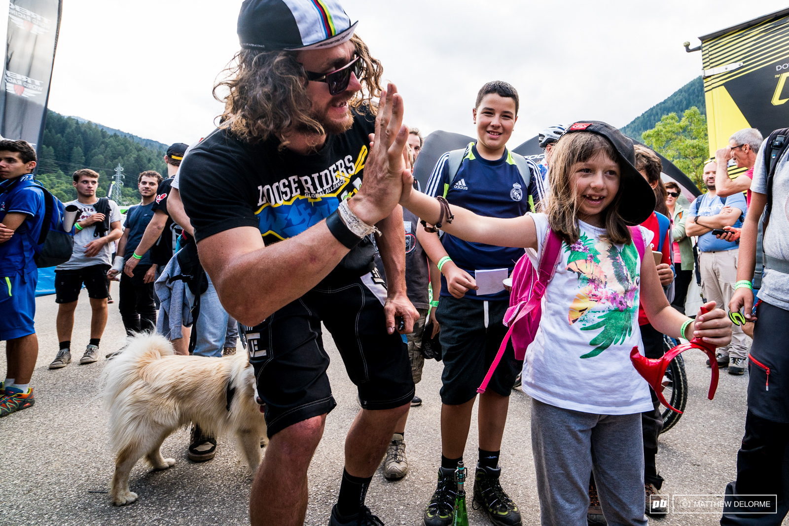 Wyn Masters was a hit with the kids post race.