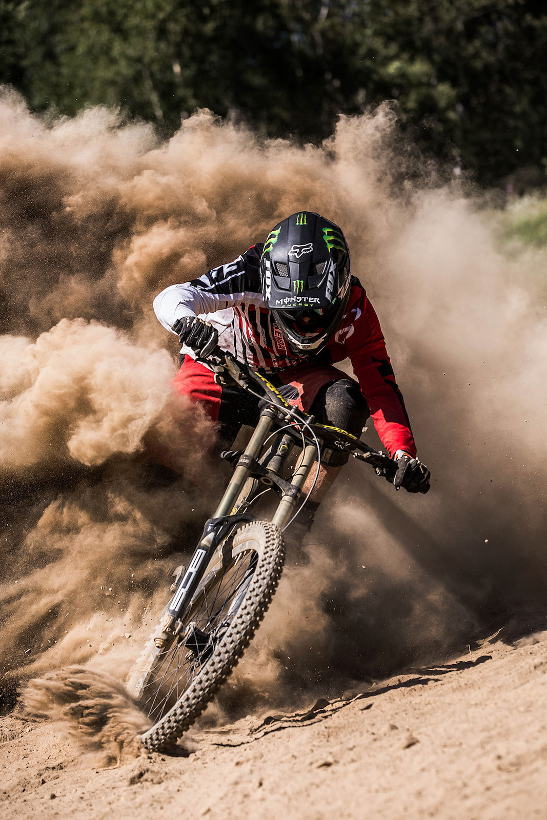 dusty front cover shot for mtb rider magazine #174