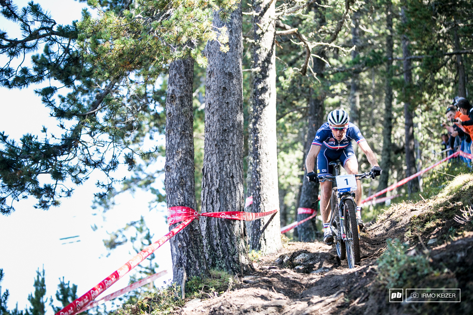 Absalon fought hard to ride away from Schurter in lap 3 4 and 5. Schurter never lost sight and managed to claw back.