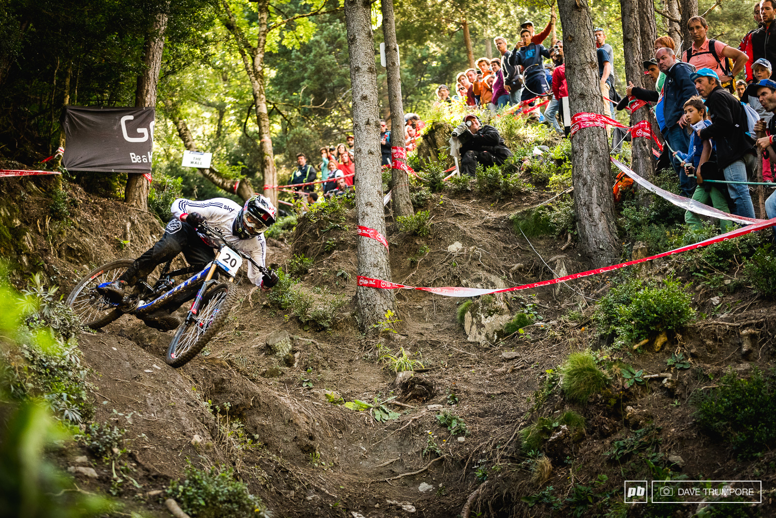 Brendan Fairclough got a bit loose coming out of the woods and would almost end up in the crowd. Luckily he saved it but lost precious seconds within sight of the finish line.