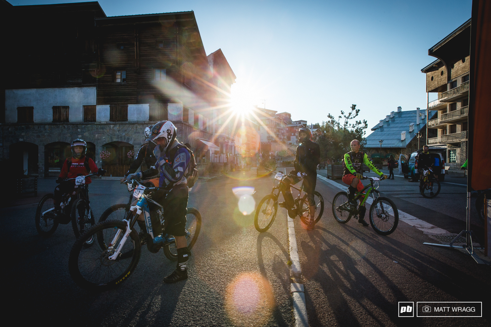 With 60km 2000m climbing and 3000m descending ahead of them it was an early start on Saturday for thr racers.