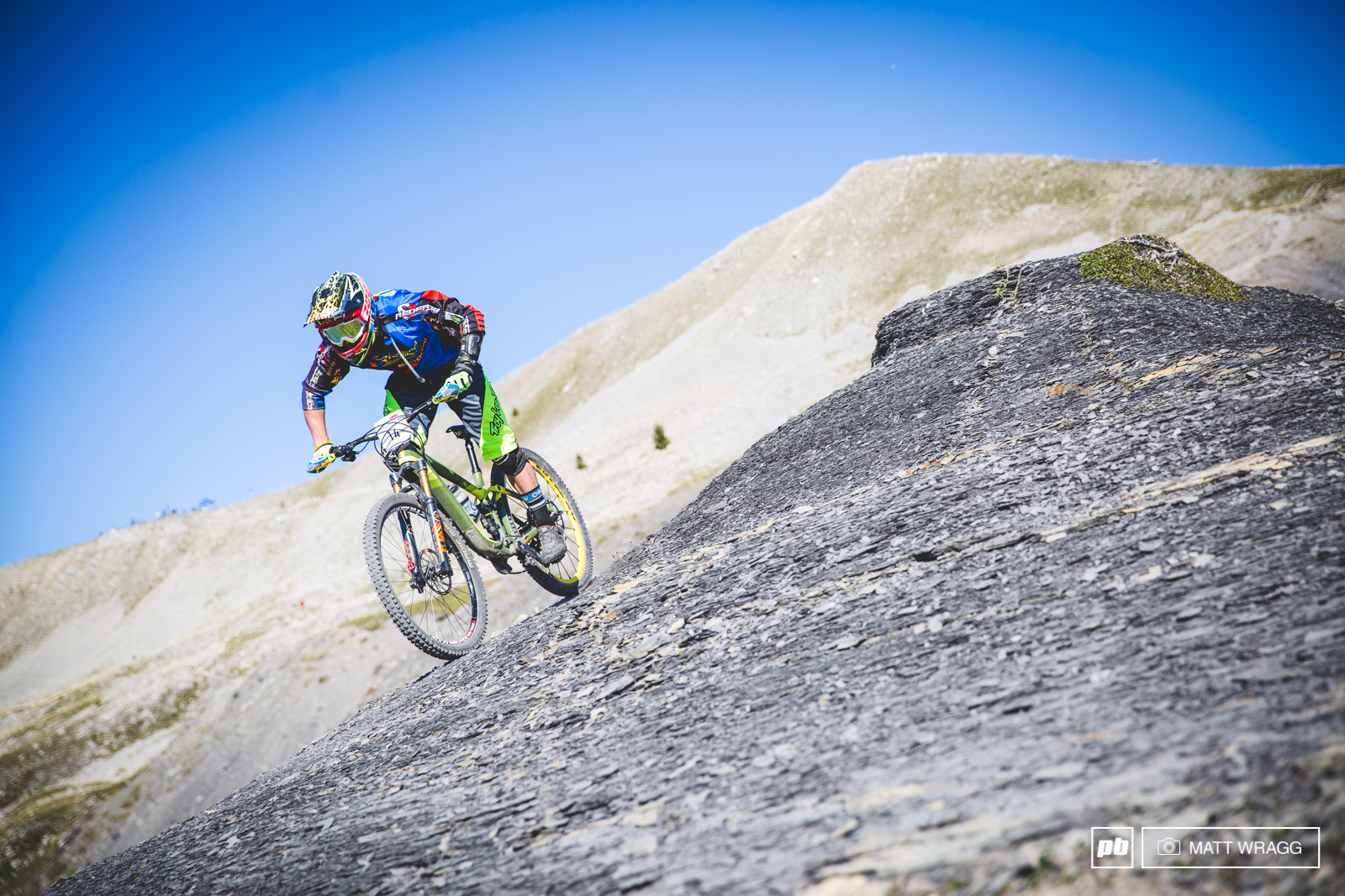 Local pinner Valentin Escriou has been competing in the under-21 class of the EWS this year and this weekend he managed to place ahead of series leader Adrien Dailly.