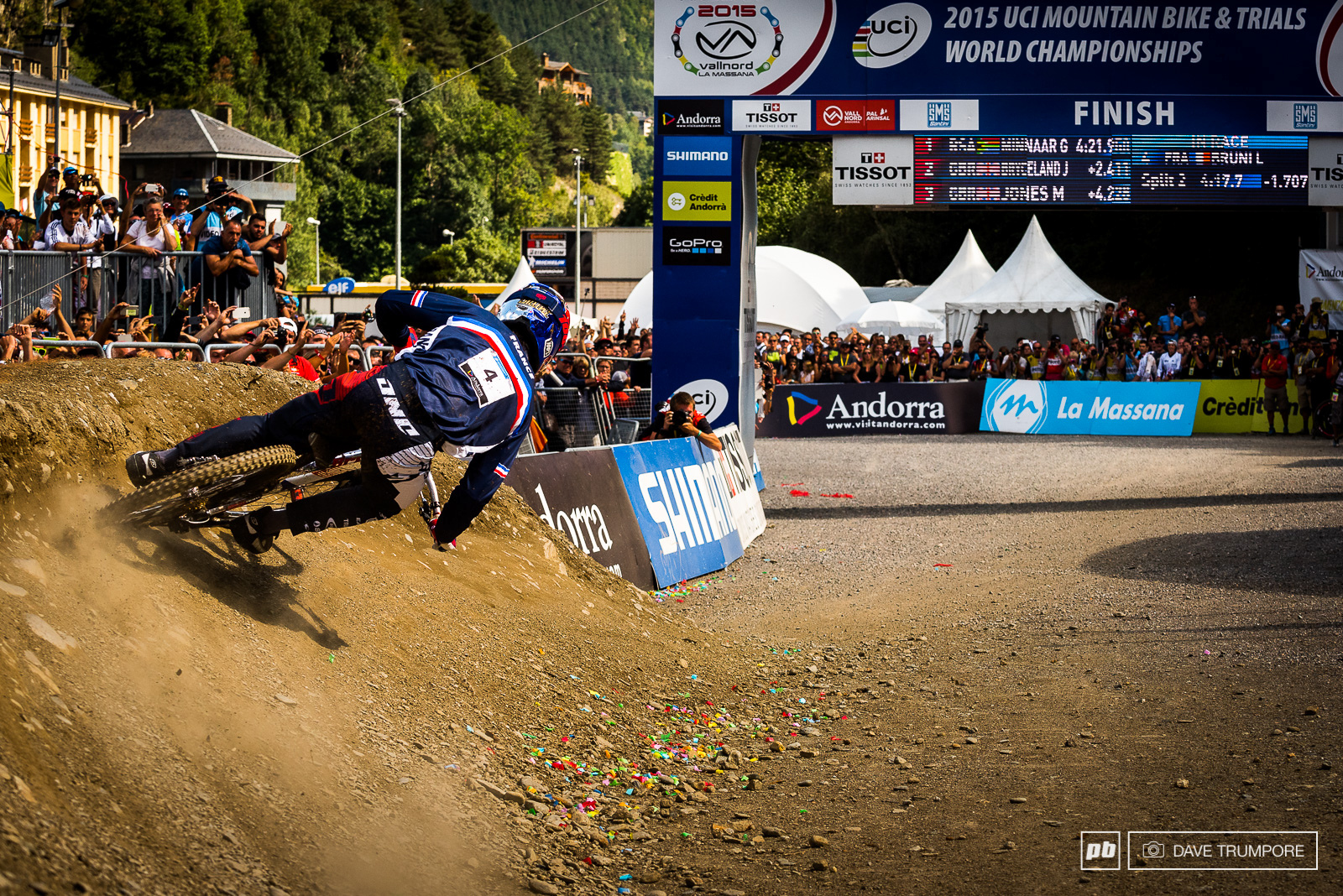 Up at all the splits and only a few meters to go in Andorra.