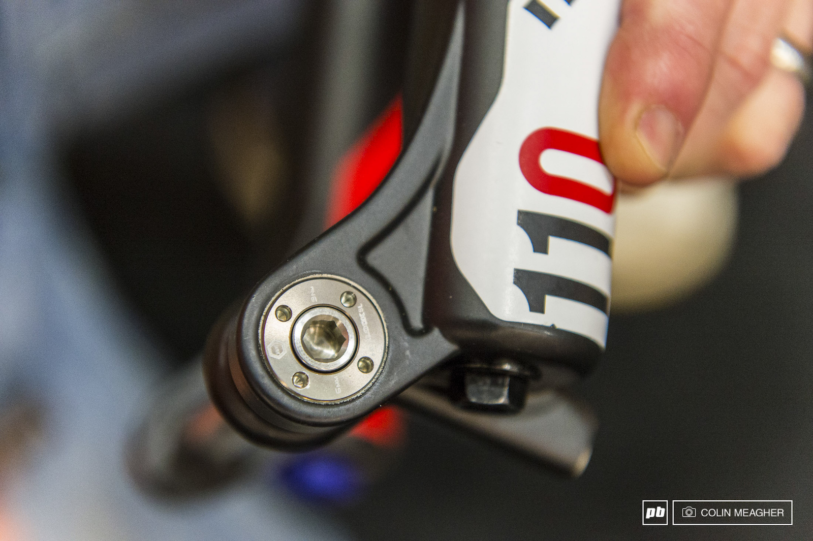 Manitou is offering a new tool front axle option for their trail forks. More info on what fork(s) later. Manitou's 15mm Hex Lock system works just fine but some riders and mechanics find that they prefer a tool option. Manitou listened and delivered.