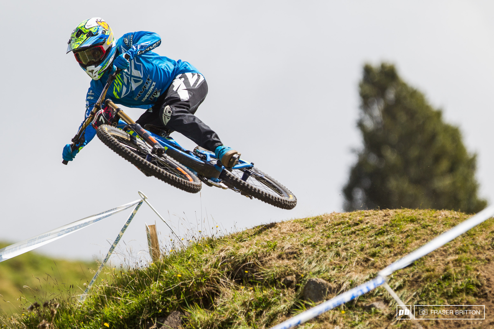 Elliot Jackson won the DH event here last year. This year he took home seventh place but had more style than the rest of the pro category combined. Staying low over the grassy knoll is a Jackson speciality.