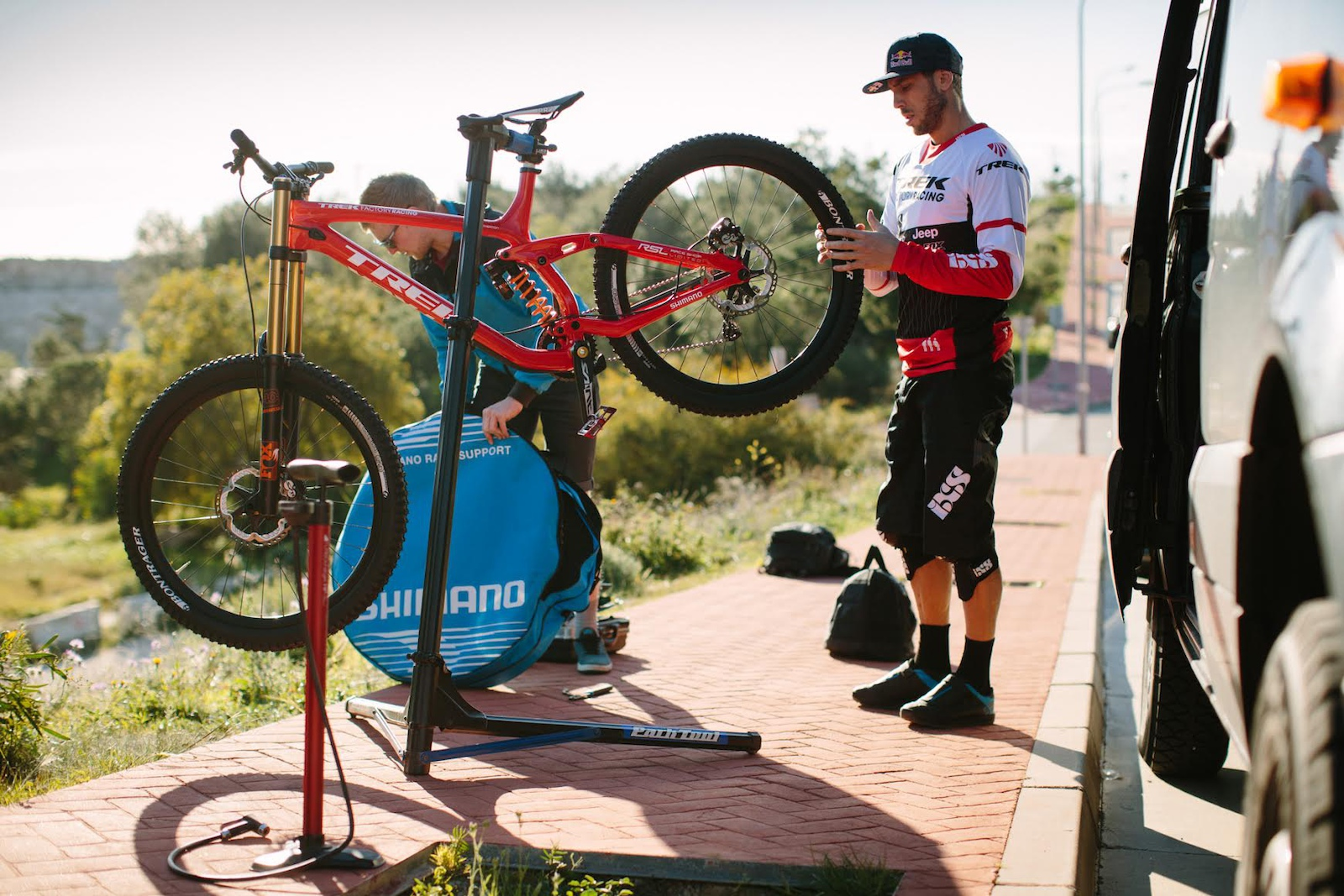 Gee Atherton on his Trek Session Photo by Sterling Lorence