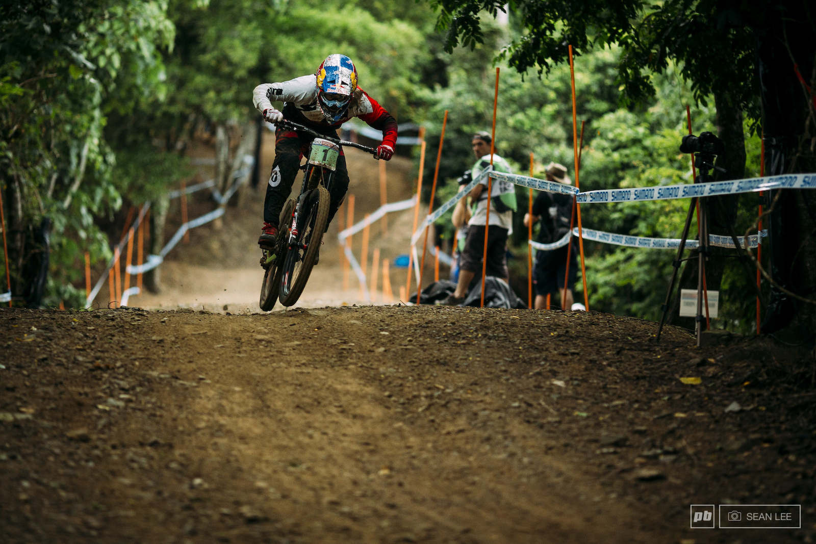 The Jungle Bites Back Pits and Practice - Cairns DH World Cup 2016